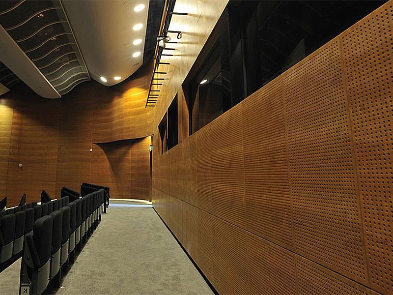 Акустическая панель на стене